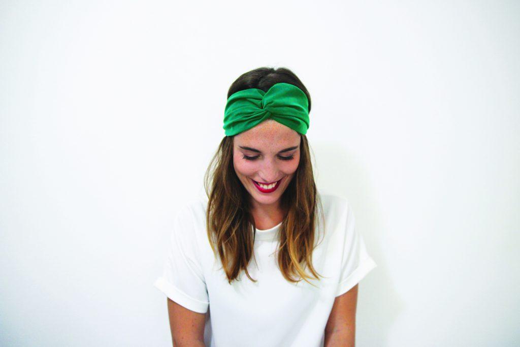idée de coiffures avec un headband : la couronne